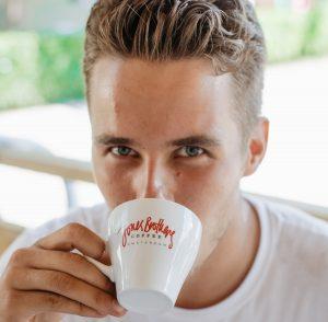نحوه خوردن قهوه اسپرسو دوبل در خانه
